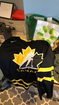 Team Canada Live Strong xxl jersey  Newmarket, L3Y 4A5
