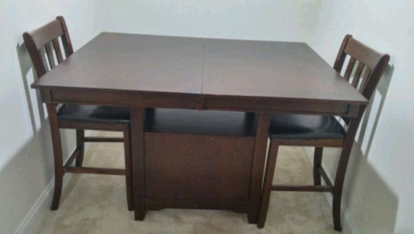 Extendable dining table with 6 chairs for sale 5dbb3d6b-abcf-483d-9548-ad17af9c436d