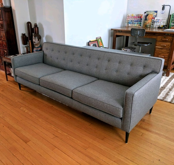 chicago i inde ikinci el sat l k new room board midcentury modern holmes sofa letgo. Black Bedroom Furniture Sets. Home Design Ideas