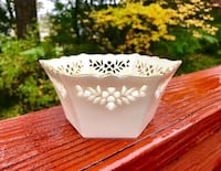 BRAND NEW Lenox China Shelburne Snack Bowl 30 km