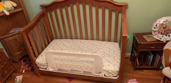 crib Used  but  solid