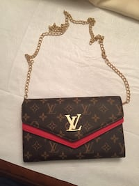 Louis Vuitton Crossbody Purse  Houston, 77021
