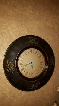 round black wall clock Brampton, L6P