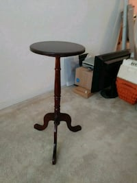 black and brown pedestal table Clearwater, 33763