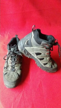 Chief Earth Shoe Size 9.5 Hiking Boots