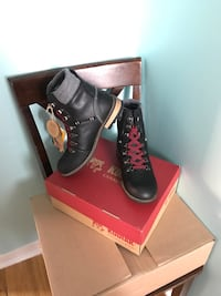 BRAND NEW WOMENS LEATHER BOOTS Mississauga, L5E 2A6