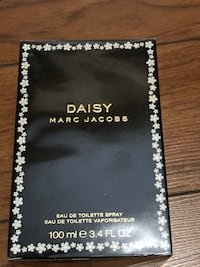 100ML Daisy Marc Jacobs eau de toilette spray box