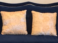 Two beautiful pillows lighting up your room Woodbridge, 22192