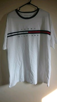 Tommy Hilfiger Vintage T-shirt XL London, N5Y 1G6