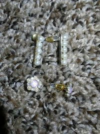 assorted gold pearl accessories Manchester, 37355