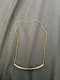 gold-colored chain necklace 37 km