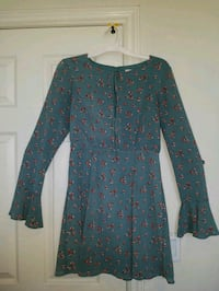 turquoise floral long sleeve dress Bakersfield, 93306