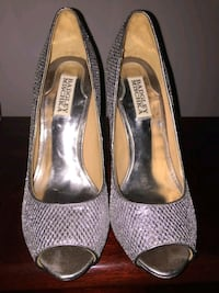 Prom/formal wear womens pumps  Olney