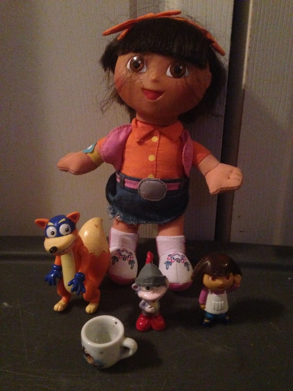 Dora the explorer doll and toys action figures