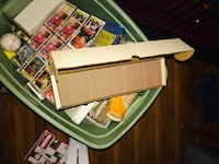 Baseball cards hundreds of them it's good for someone to collect baseball cards Orlando, 32817
