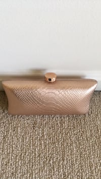 Vince Camuto clutch purse Windsor Mill, 21244