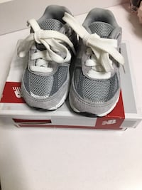 pair of gray Nike running shoes with box Rockville, 20850
