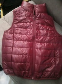 red zip-up bubble vest Alhambra, 91801