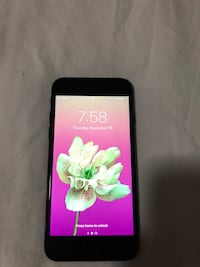 iPhone 7 32GB with box unlocked good condition Mississauga, L5A 4C4