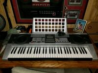 Electronic keyboard with stand Hagerstown, 21742