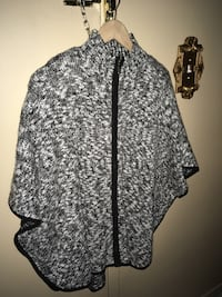 Ladies black and white tweed poncho sweater size L/XL Oakville, L6K 1Y8