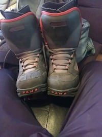 pair of black-and-gray vans snowboard boots Edmonton, T6P 1A4
