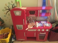 Pink and white kitchen play set Ashburn, 20148