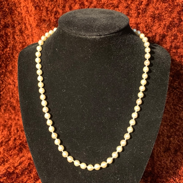 Freshwater Pearl Necklace with Sterling Silver Clasp 58f5ffd7-3d24-4287-be56-72d35f5bbcbb