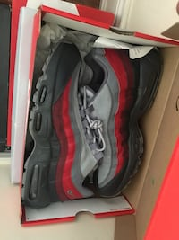 Air max 95s both size 11 Richmond Hill, L4E 3S6
