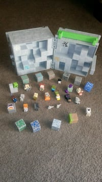 Minecraft minis case, 20 characters, and 11 blocks Apple Valley, 92308