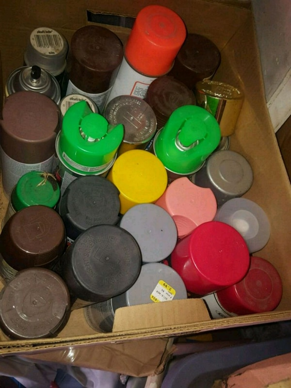 Used Assorted cans of spray paint 2 boxes for sale in Hayward - letgo