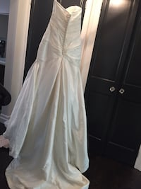Wedding dress - strapless fit and flare