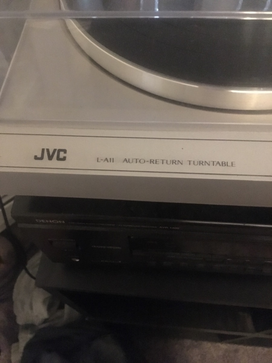 Jvc record player with denon receiver