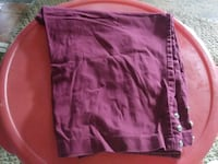 Burgundy Capri's with 2 buttons at the bottom  Kingston, 30145
