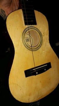 First Act Discovery Acoustic Guitar, Natural   Columbus, 43223