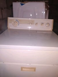 Kitchen Aid Washing Machine  And Heavy Duty  Gas  Dryer Made by Whirpo