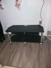 tv stand new used for few months
