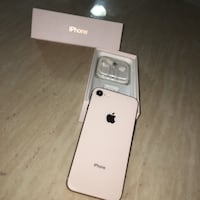 iphone 8 Rose gold 64gb Mississauga, L4T 1N3