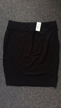 Black and Grey Knit Skirt size XL. Brand new with tags Toronto, M5A 4A8
