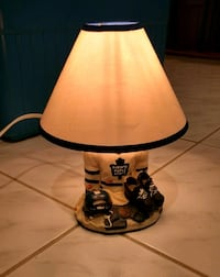 Toronto Maple Leafs lamp Mississauga, L4W 4M4