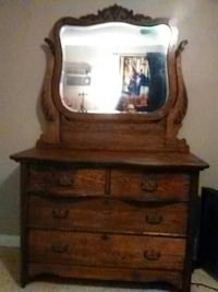 Beautiful antique dresser must see in great condit Beverly Hills, 34465