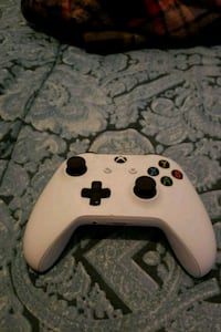 White Xbox One controller  Yonkers, 10701
