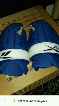 Men's hockey reebok gloves L Toronto, M4W 3Y4