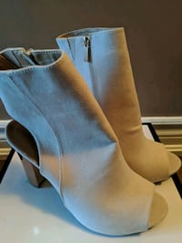 New! Open Toe Boots with gold heel - Size 9 Brampton, L6P