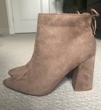 New with tags Women's ankle boots taupe size 9 Stoney Creek, L8E 2S9
