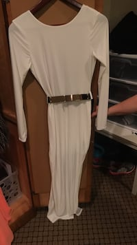 White low back dress with belt Mississauga, L5R 2Z5