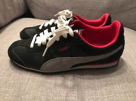Puma ladies sneakers - black - size 8
