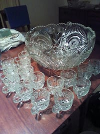 Punch bowl with 18 cups