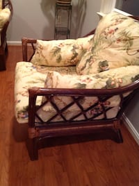 Brown wicker love seat and chair excellent condition 28 km