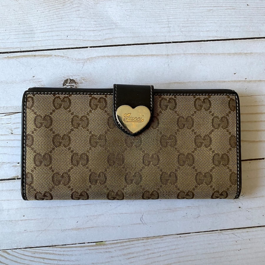 Photo Authentic Gucci wallet